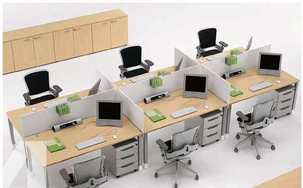 Kiểu bố trí bàn làm việc cụm 2 - 4 được ưa chuộng trong không gian nhỏ