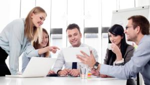 Đánh giá lương nhân viên văn phòng hiện nay